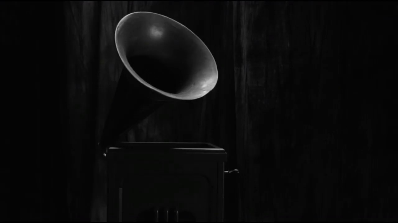 Twin Peaks: The gramophone click revealed - YouTube