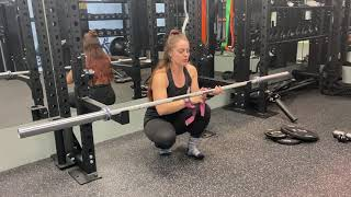 How to use wrist straps | Beth Lavis Fitness