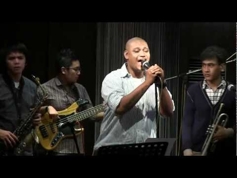 Urban Phat - Risalah Hati @ Mostly Jazz 16/03/12 [HD]