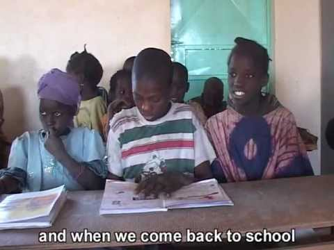 Niger: Water and education - 'Learn film clips'