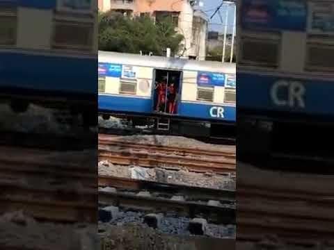 Mumbai Harbour railway train accident December
