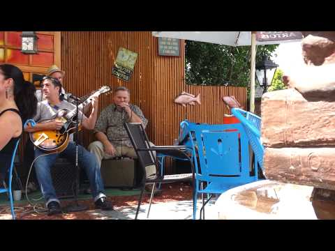 Click Go Review, Three Monkeys Cafe Clip 1 (Blues Band)