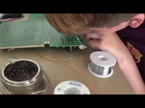 Harry first time soldering an Amiga