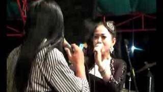 dinding kaca - Lilin Herlina & Agung Juanda New Prima.flv