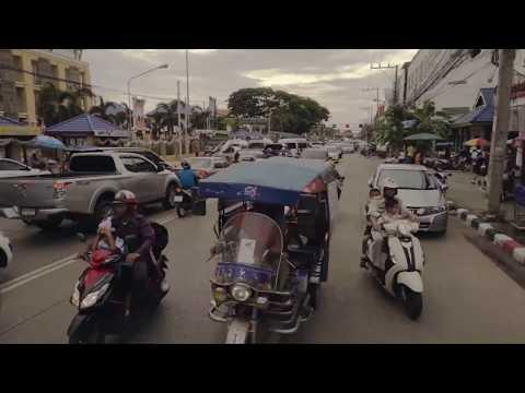 025 Minibus Traffic - Udon Thani, Thailand TIMELAPSE (optical flow)