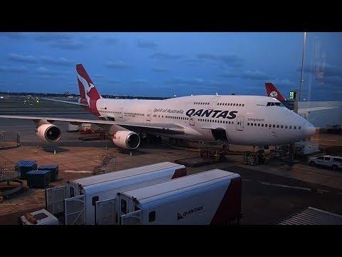 Qantas Economy B747 Sydney to Tokyo Haneda   Emergency Exit Row