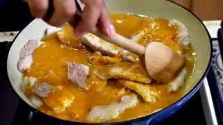 Pork In Spicy Tomatillo Sauce - Mölli