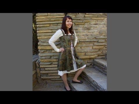 Simplicity Pattern 1773 - Medieval Dress - Overdress