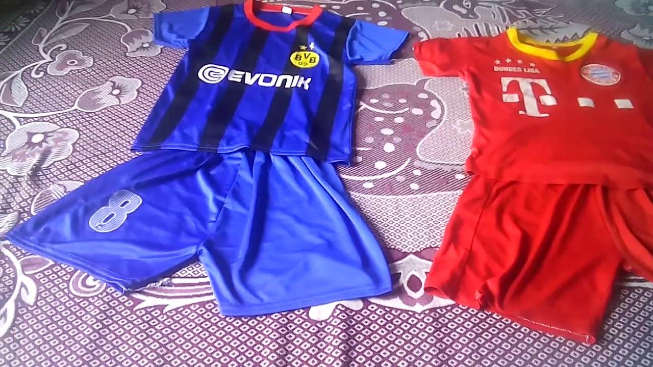 Ndt:khoe hai bộ quần áo cầu thủ số 8 va 7