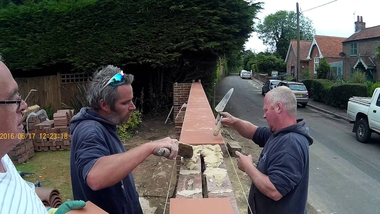 The Wall Laying The Creasing Tiles Youtube