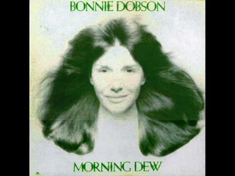 Bonnie Dobson - C'est L'aviron - Live at folk city 1962