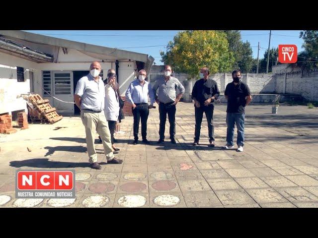 CINCO TV - Julio Zamora supervisó la construcción de nuevos módulos de baños