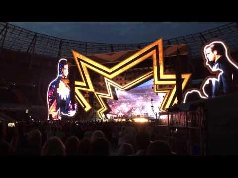 Robbie Williams at HDI Arena Hannover 2017  My Way HD