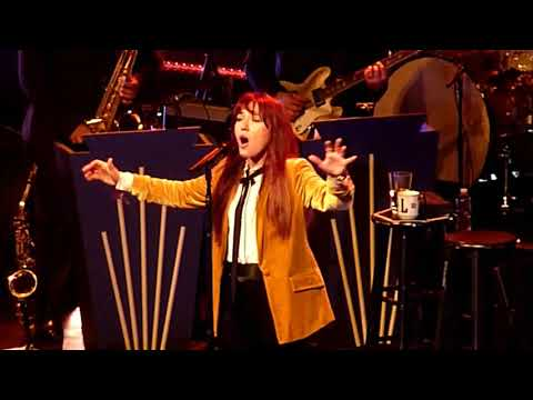"""Lauren Daigle - O Holy Night - Clip From The """"Behold"""" Tour"""