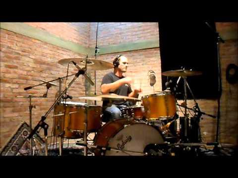 Martin Zuccarelli  -drummer- Ludwig Gold Sparkle Vintage USA 1972