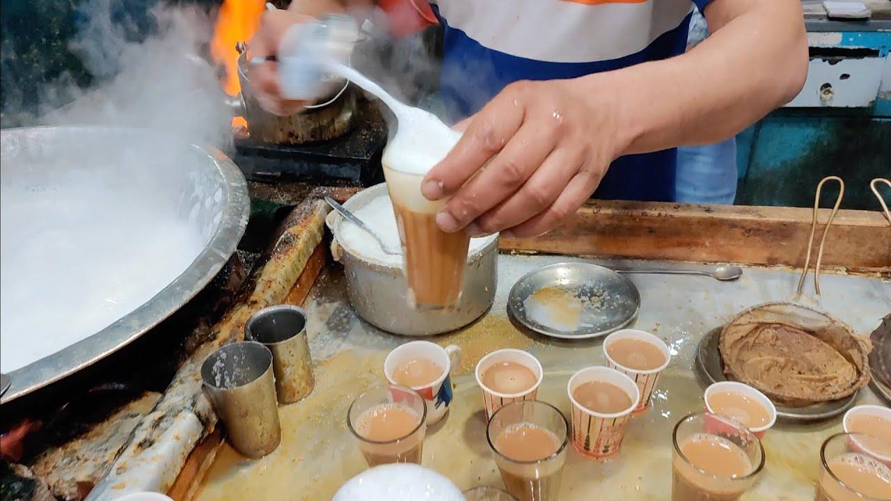 Superfast Ustad Chaiwala of Delhi   Indian Creamy Tea   Indian Street Food