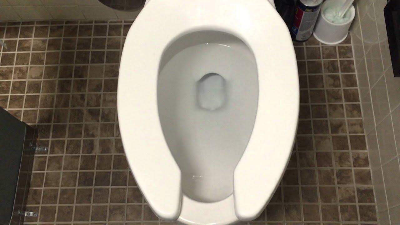 584 an older gerber urinal and a gerber la crosse toilet for Gerbiere toit