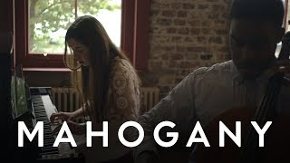 Flo Morrissey - If You Can't Love, This All Goes Away   Mahogany Session
