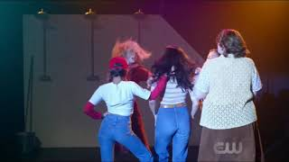 Riverdale episode 218 - Veronica sings Betty verbally attacks V Archie defends Veronica