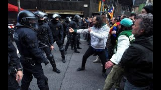 Los disturbios de Barcelona catapultan a la fama al 'ninja indepe'