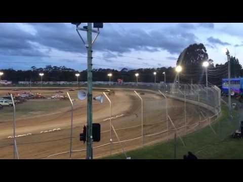 Bombers Crash- Latrobe Speedway 5/11/16