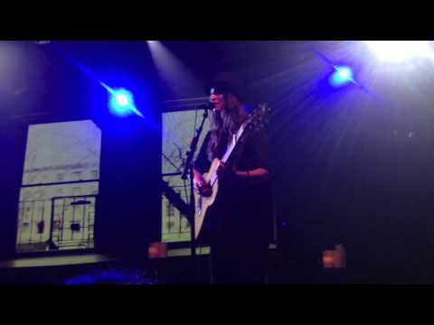 Sara Bareilles sings a little Taylor Swift at the Highline Ballroom NYC 05-23-13