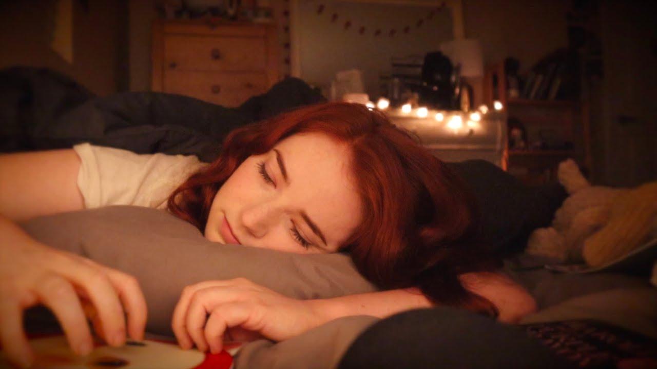 ASMR Sleepy Triggers in Bed