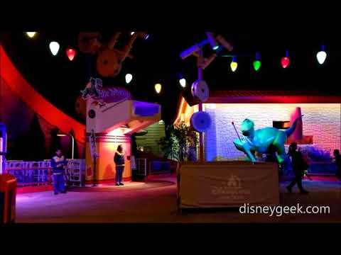 Shanghai Disneyland: Toy Story Land - A quick walk around