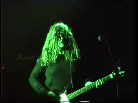 Babes in Toyland -  Vomit Heart (live 1991)