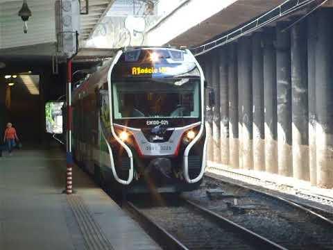 Newag Predator na stacji Warszawa Centralna WKD
