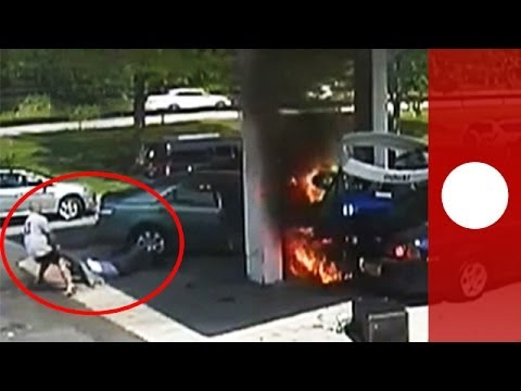 Heroic rescue: man pulls driver from burning car after crash Mp3