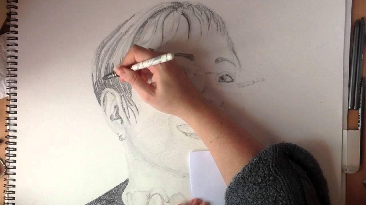 Dessiner Un Portrait Crayon A Papier Youtube