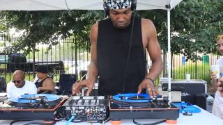 Dj Trife Scratching at Ted Smooth Old School Jam 7-19-15