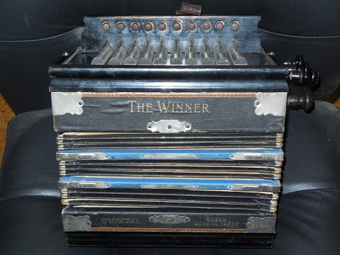 """Parsifal """"The Winner"""" mechanical tremolo button accordion in A #395 (nfs)"""