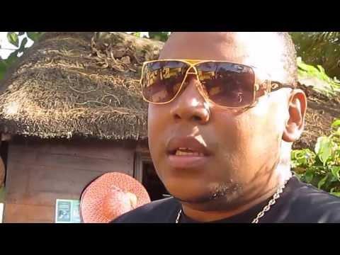 ZONA 5 personal interview by Bea in Coconut Beach in Ilha de Luanda.