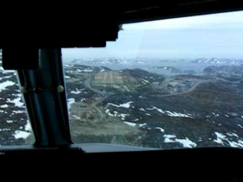 Air Greenland Dash-8 landing in Nuuk, filmed from the jumpseat.