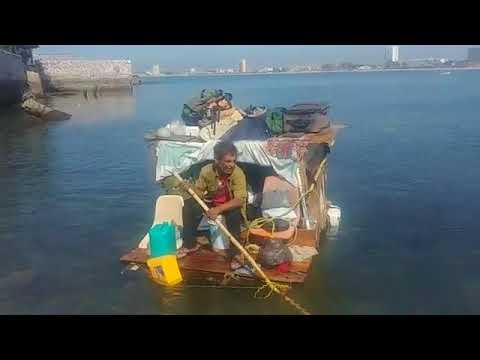 El Hombre Que Vive En El Mar