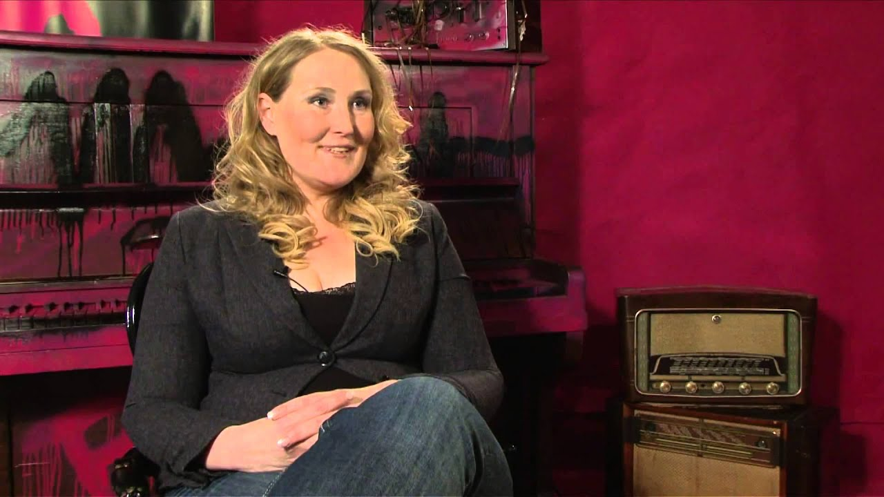 newsbitch hannelore zwitserlood youtube