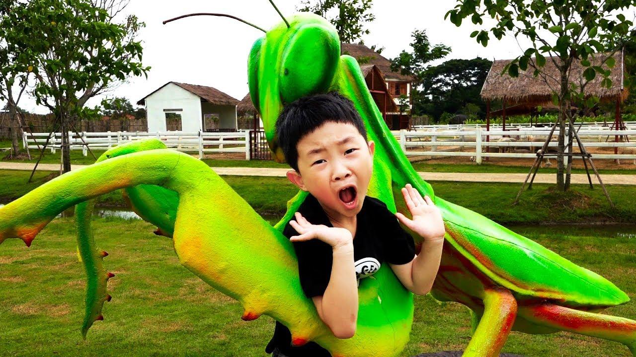 거대 사마귀한테 잡힌 예준이?! 곤충 박물관 공룡 탐험 어린이 동물원 키즈 체험 Funny Kids Insects Museum Outdoor Playground