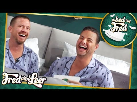 Johnny de Mol  In Bed Met Fred  FRED VAN LEER