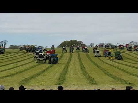 100 acres 10 minutes Self-Propelled silage harvesters Kiltale Co Meath 6/05/2017 world record