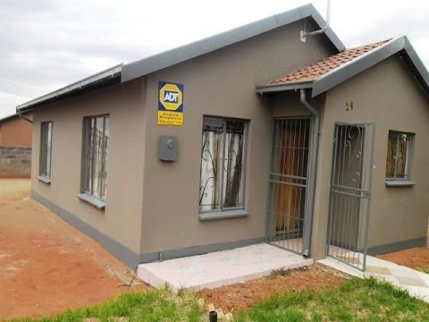 2 Bedroom House For Sale in Roodepan, Kimberley, Northern Cape, South Africa for ZAR 485,000