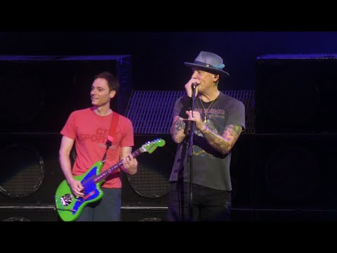 """""""Adams Song & All Small Things(Fan Plays Guitar Onstage)"""" Blink 182@Columbia, MD 7/21/19"""