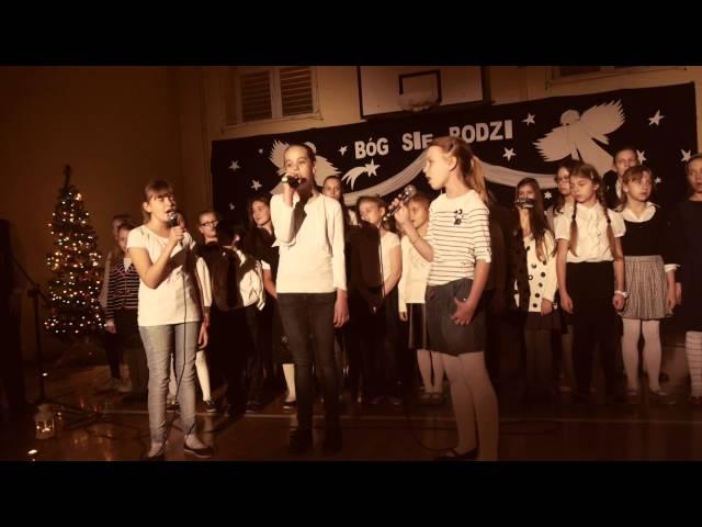 IDĄ TRZEJ KRÓLOWIE W KORONACH NA GŁOWIE - Uczennice Szkoły Podstawowej nr 260 w Warszawie