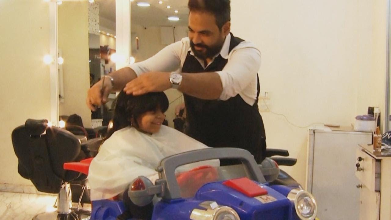 meet the barber who gives wigs to kids with cancer