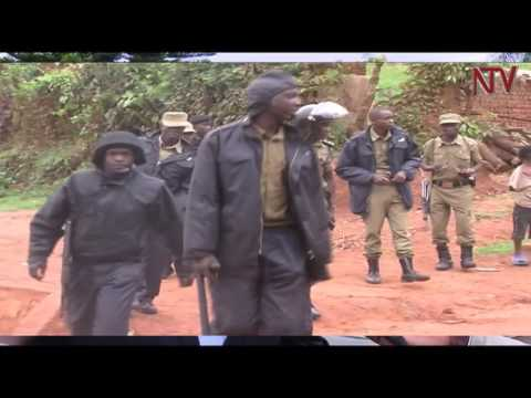 Police blockade fails Besigye