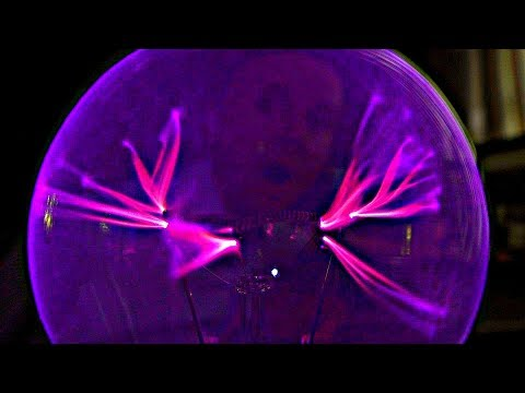 A PLASMA GLOBE made from a LIGHT BULB + 4 fascinating tricks in the end!