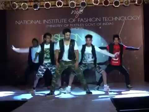 Bezubaan Kabse Any Body Can Dance performed by Vivek and Melvin @ Spectrum NIFT Bhopal