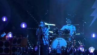Pearl Jam - Oceans (Live at Maracanã Stadium)