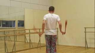 Видео уроки поинга: Трёхбитная восьмёрка за спиной - Behind The Back 3 Beat Weave Tutorial (Forward)